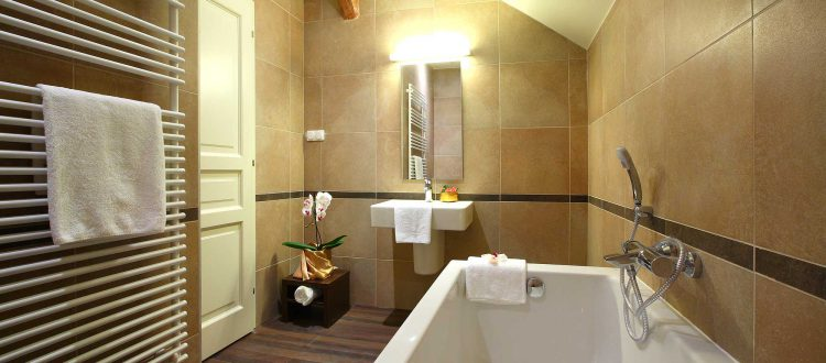 Hotel Ipoly Residence bathroom